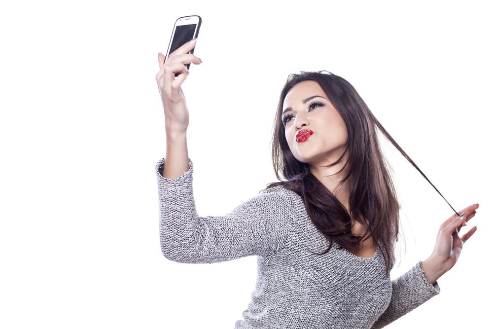 1280x960 - 5 tips για να βγει τέλεια η sexy selfie που ετοιμάζεσαι να (του) στείλεις