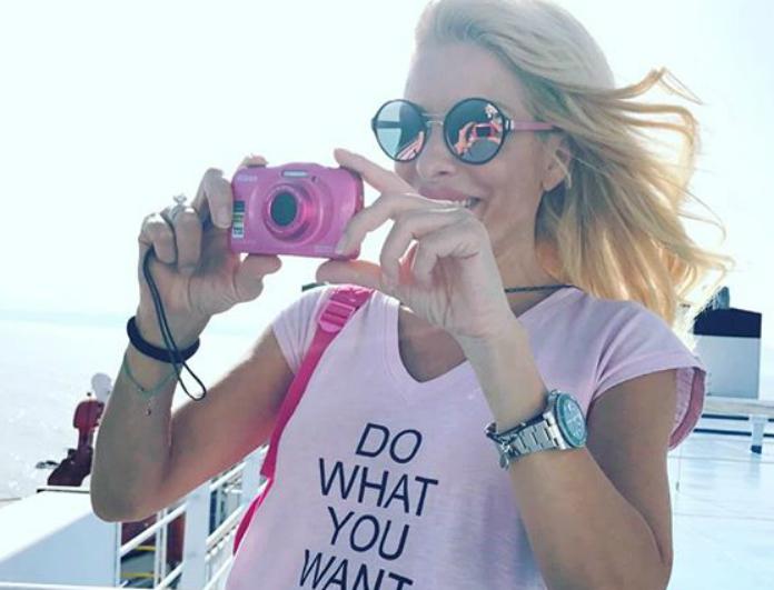 19623597 1019348618167945 7196091028682571776 n - Η νέα φωτογραφία της Ελένης Μενεγάκη από τις διακοπές της- Η καλλίγραμμη σιλουέτα της αναστάτωσε το Instagram