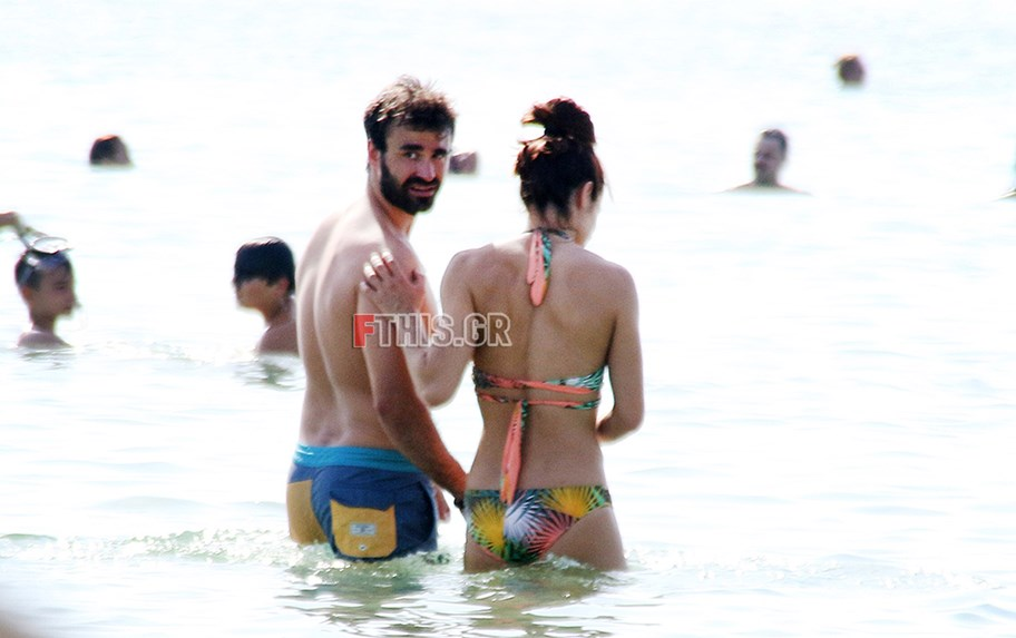 486655 - Paparazzi: Η Κατερίνα Στεφανίδη στην παραλία με τον σύντροφό της