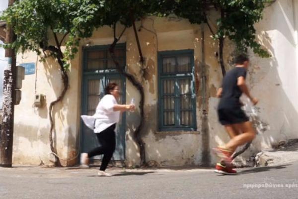 gdfte56ew5twf - Η διαφήμιση με την Ελληνίδα μάνα που έγινε viral