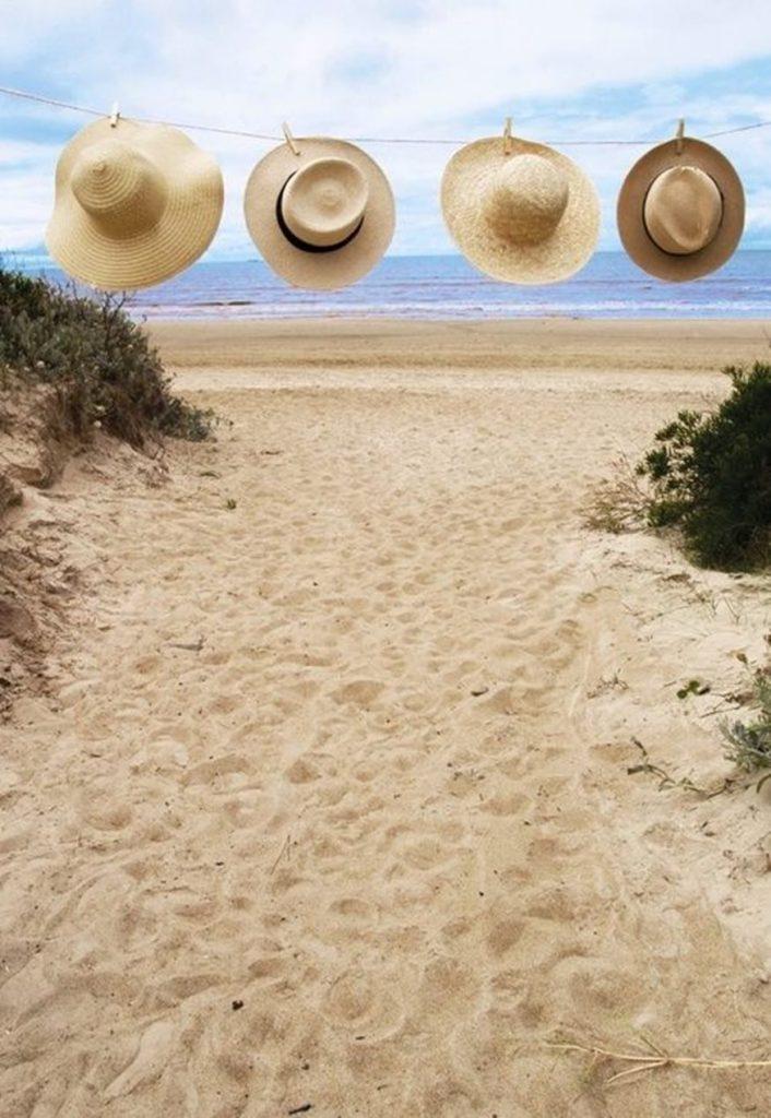 kapela 706x1024 - Τα καπέλα που θα σε κάνουν πιο stylish αυτό το καλοκαίρι!