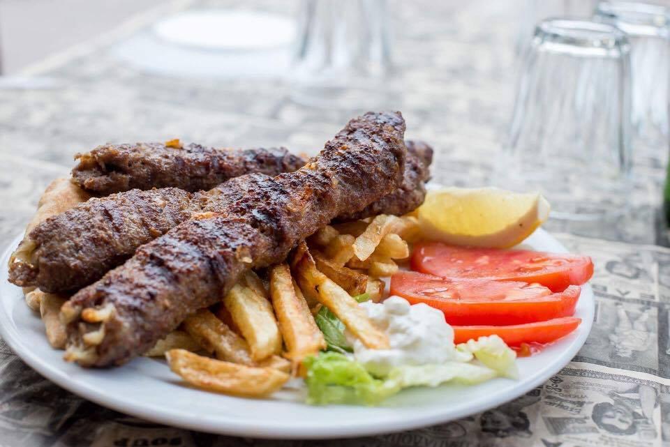 kaserli kempamp - Ανεβαίνεις Φρούριο; Για φαγητό στου Κυρ Χρήστου!