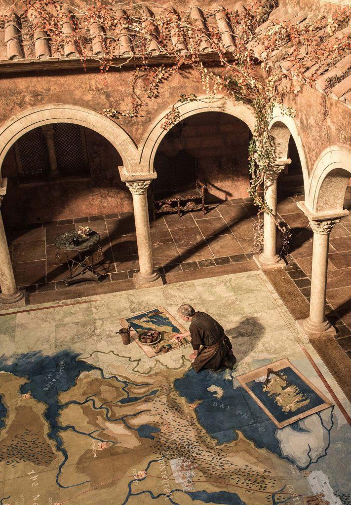 maps red keep 711x1024 - Game of Thrones: Οι φωτογραφίες από την πρεμιέρα της Κυριακής