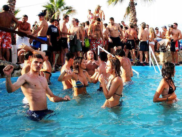 summerparty - Οι 50 κανόνες του καλοκαιρινού πάρτι