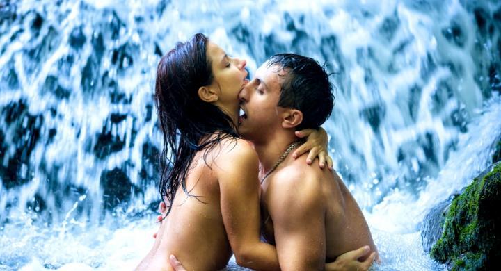 zeygari fili 650 - Πώς καθιερώθηκε το φιλί στο στόμα; Απολαυστικό βίντεο δίνει την απάντηση!