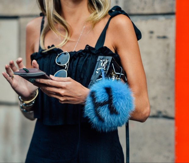08 fall 2015 couture street style 13 - Τρεις λόγοι για να κάνεις detox από τα social media στις διακοπές