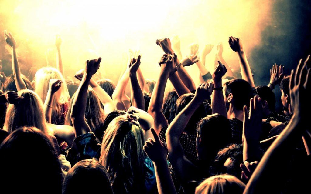 233322 clubbing 1024x640 - Larisaevents Choice: Τραγουδι της ημέρας!
