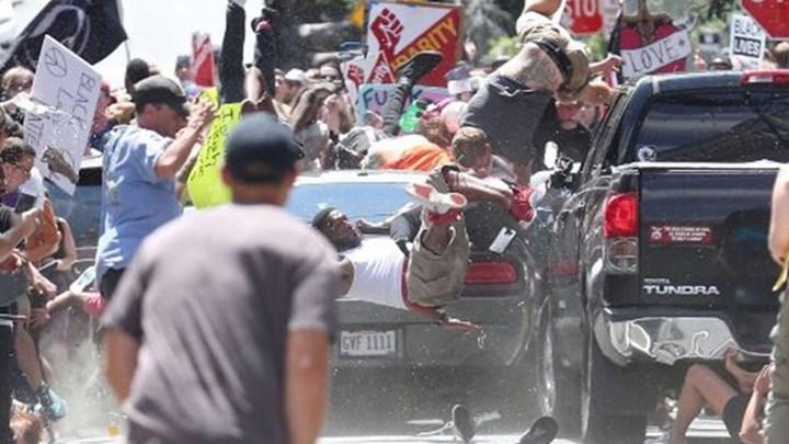 720 530767 74fa8d1525 b3c01d2cee9f3c59 - Σοκ στη Βιρτζίνια: ΙΧ πέφτει πάνω σε διαδηλωτές - Ένας νεκρός και πολλοί τραυματίες