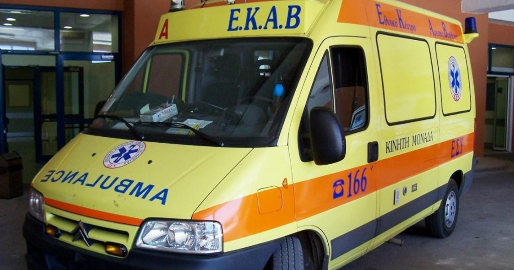asthenoforo9005934 1024x539 - Νέο σοκ στη Λάρισα: Νεκρός σε τροχαίο στο Συκούριο