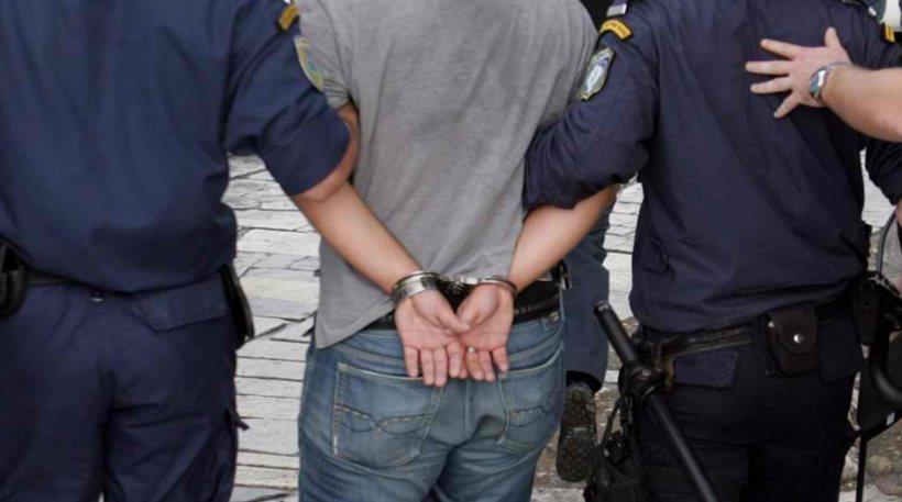 astynomia 27xronos - Λάρισα | Συνελήφθη 32χρονος κλέφτης!