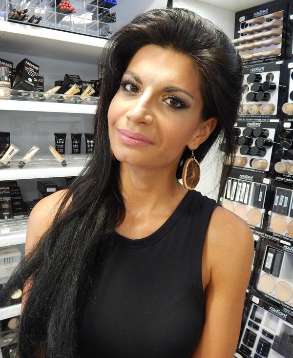 22 - Βρήκαμε που θα κάνετε το καλύτερο δωρεάν μακιγιάζ στη Λάρισα!
