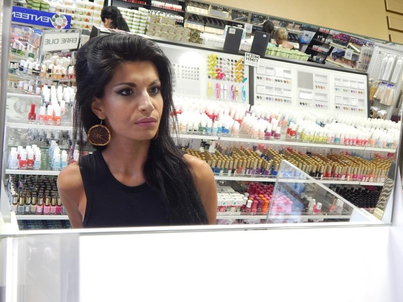 23 - Βρήκαμε που θα κάνετε το καλύτερο δωρεάν μακιγιάζ στη Λάρισα!