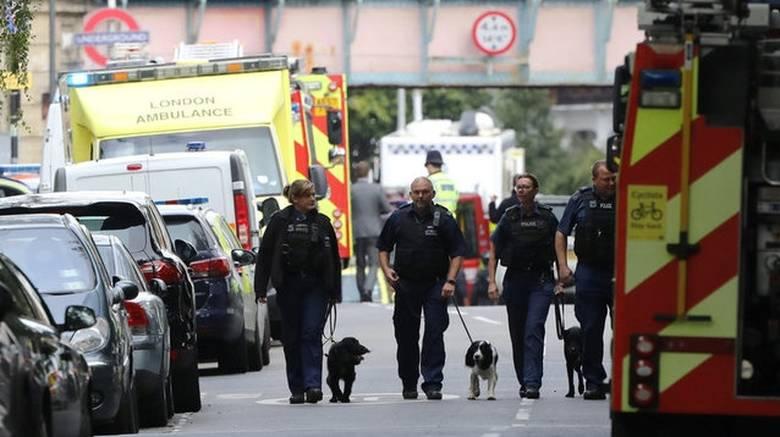 LONDON 1 - Επίθεση Λονδίνο: Επιχείρηση της βρετανικής αστυνομίας για τον εντοπισμό των δραστών
