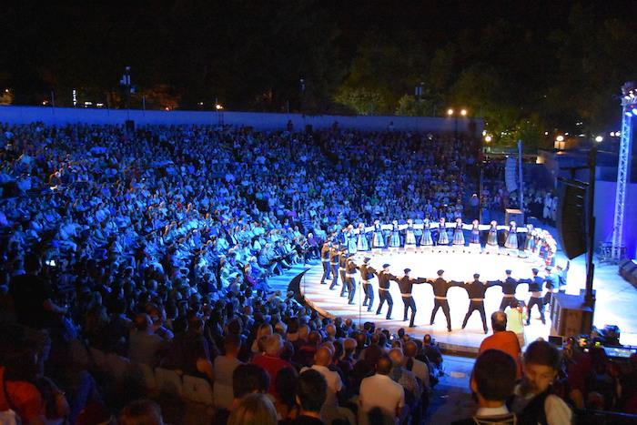 dsc 2014 - Πλήθος Λαρισαίων χθες το βράδυ στο κηποθέατρο - Θερμό χειροκρότημα στο Λύκειο των Ελληνίδων! ΦΩΤΟ
