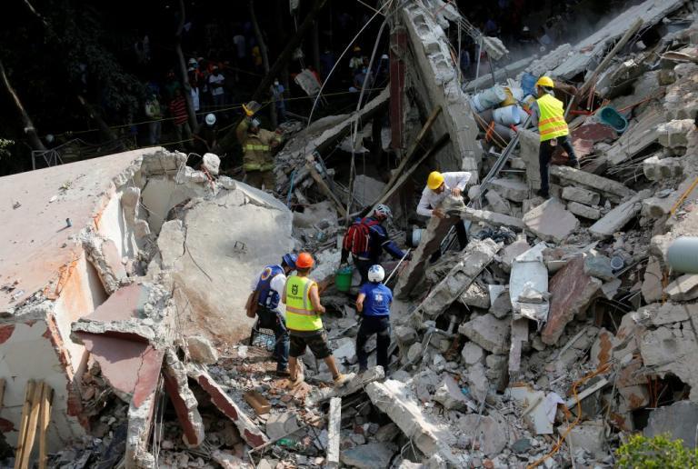 mexico 2 - Σεισμός στο Μεξικό: Ανείπωτη τραγωδία και απόλυτο χάος – Κατέρρευσε σχολείο, εργοστάσιο και σούπερ μάρκετ