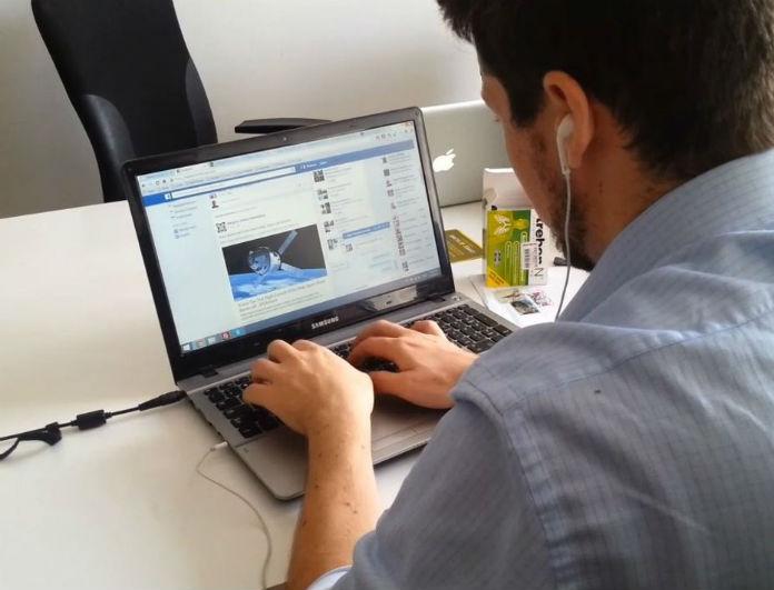 seminaria gia flert mesw facebook - 5 σημάδια που δείχνουν ξεκάθαρα ότι ο σύντροφος σου φλερτάρει στο διαδίκτυο!