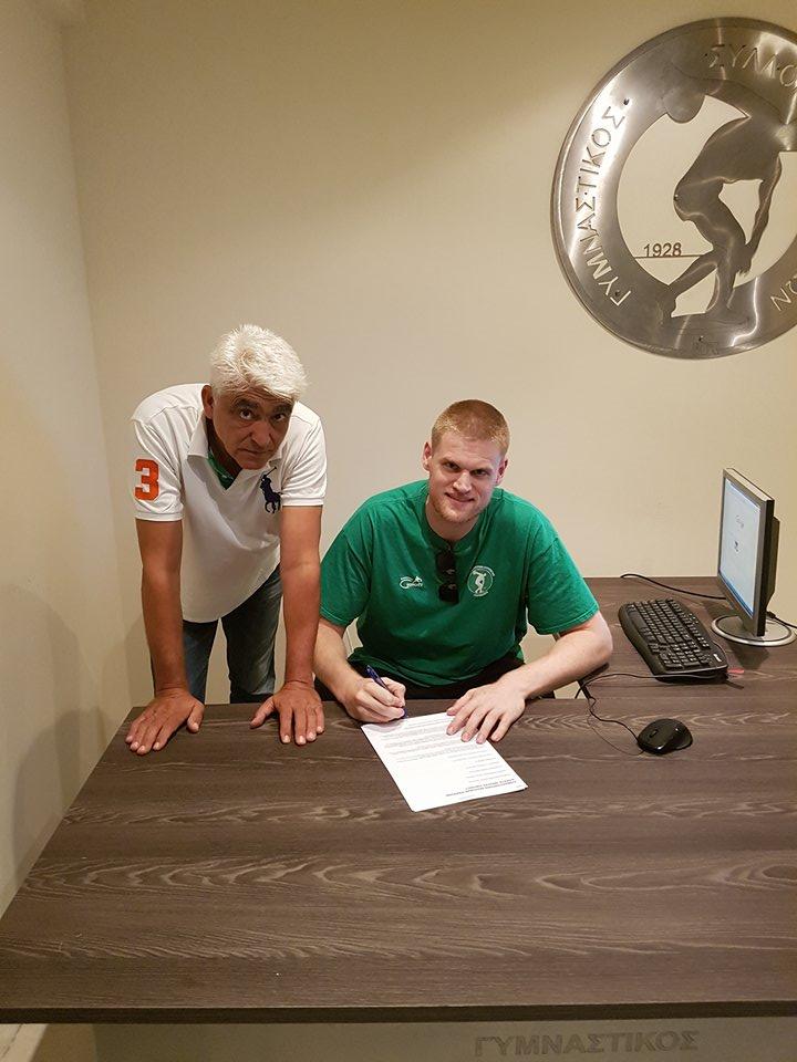 symbolaio - Υπέγραψε το νέο του συμβόλαιο ο Roeland Schaftenaar