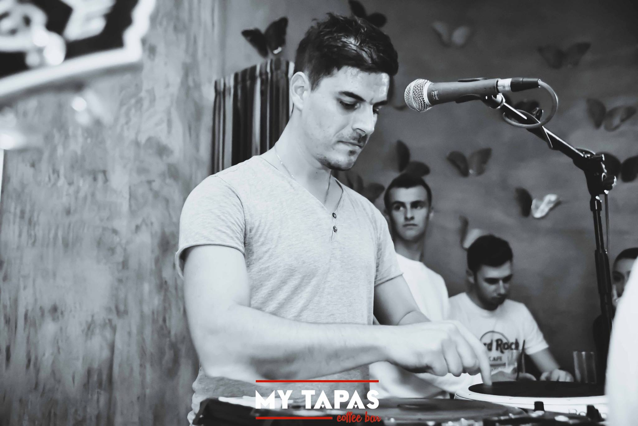 44. 22499162 1576367765716764 119033306954946360 o 1 - My Live Tuesdays στο MY Tapas Coffee bar | Τρίτη 17.10 Part 1/2