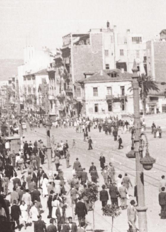540021 82563739a6 b09da4d824924ef0 - Το τέλος της γερμανικής κατοχής στην Αθήνα - 19 συγκλονιστικές ΦΩΤΟ
