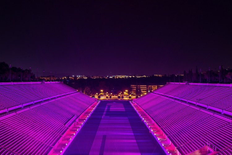 stadio1 - Το Παναθηναϊκό Στάδιο έγινε ροζ