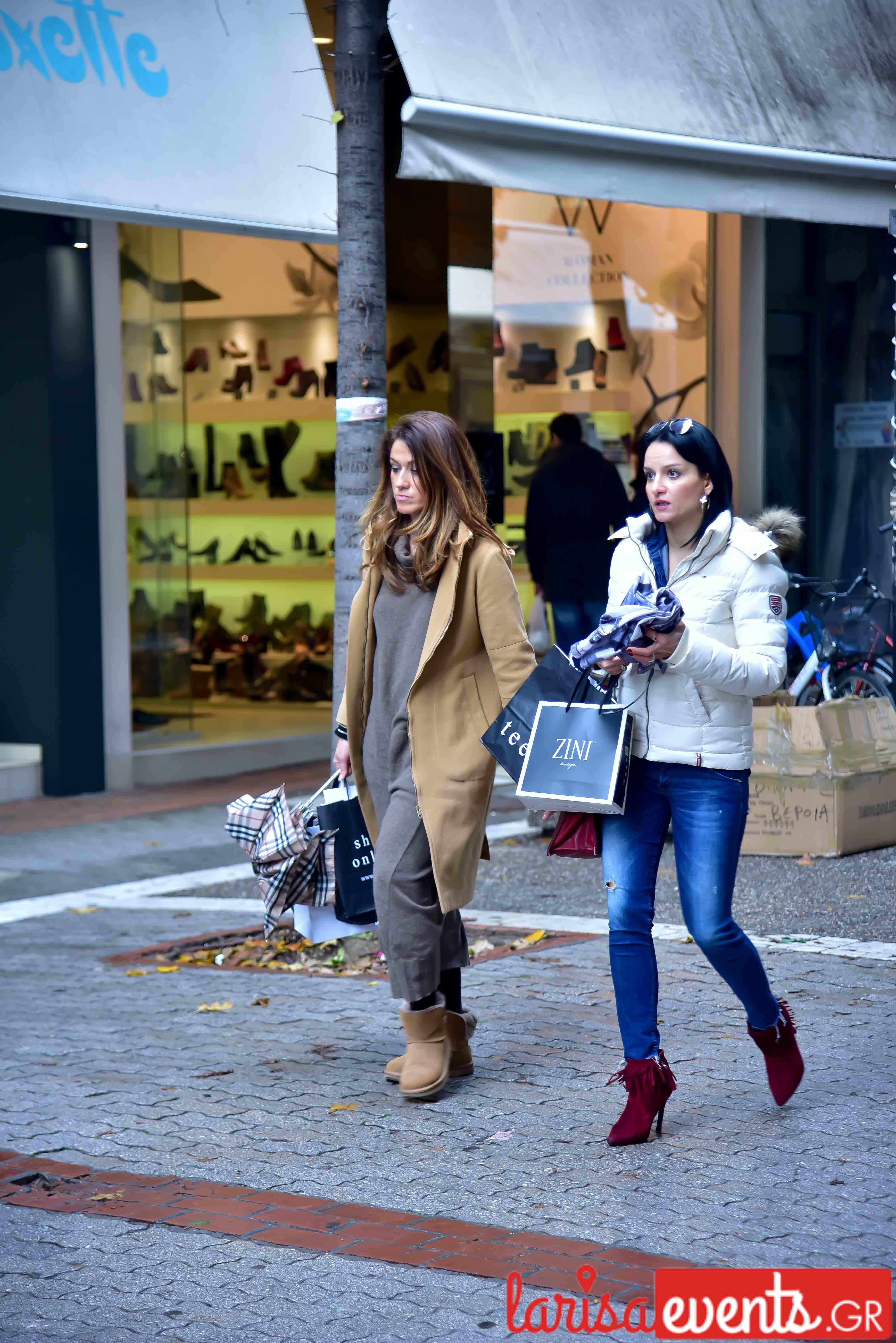 LAZ 6791 - Λάρισα's Street Style | Οι Λαρισαίοι σε street style clicks!