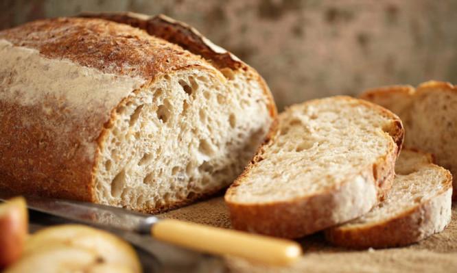 bread 666x399 - Δείτε τι θα γίνει αν σταματήσετε να τρώτε λευκό ψωμί