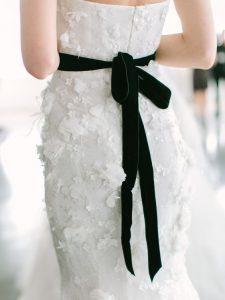 9fa62fca569aa2d04c94aee056fc823a 225x300 - Γάμος | Οι τάσεις για τις νύφες του 2018!