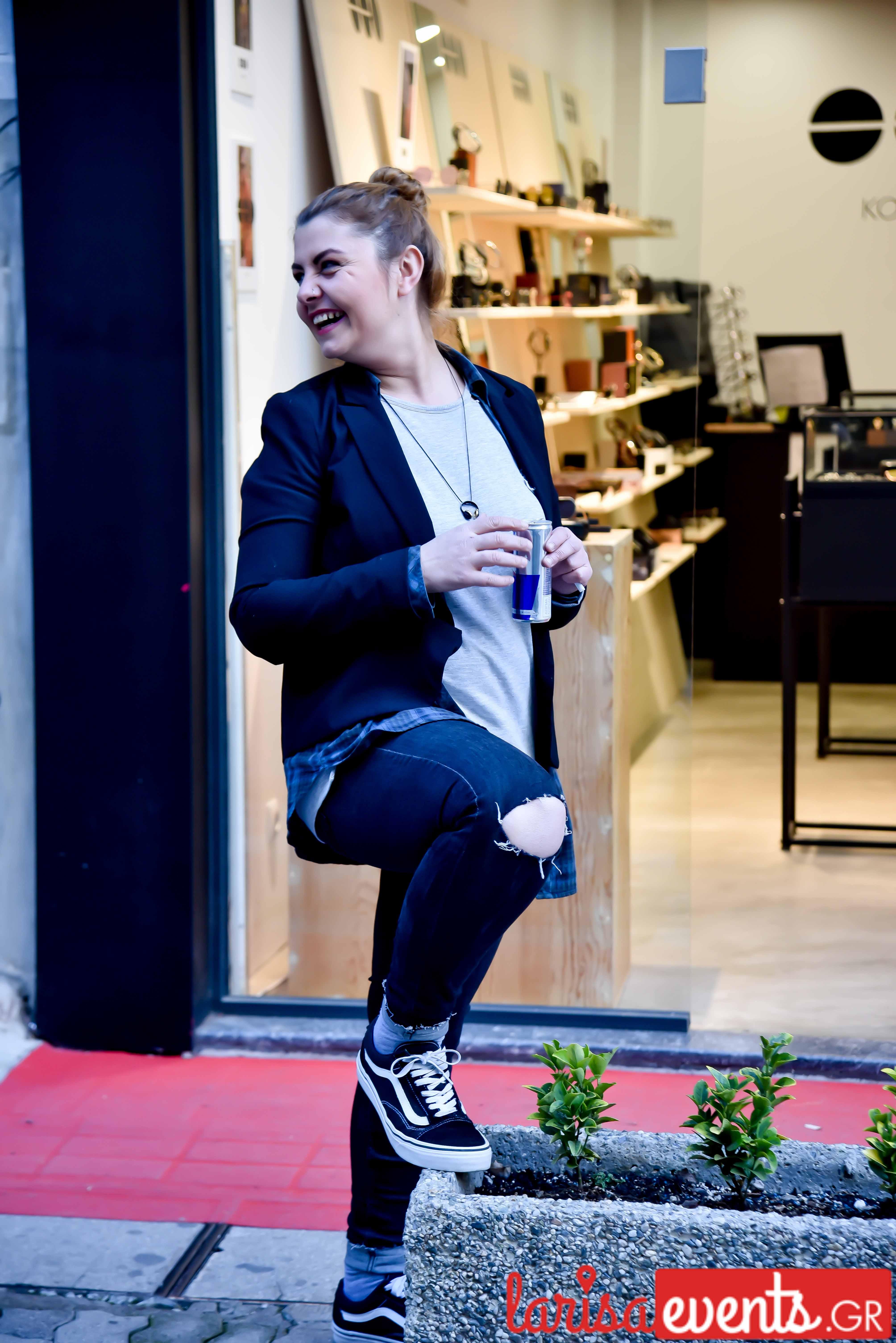 LAZ 7341 - Λάρισα's Street Style | Οι γυναίκες της πόλης σε street style clicks!
