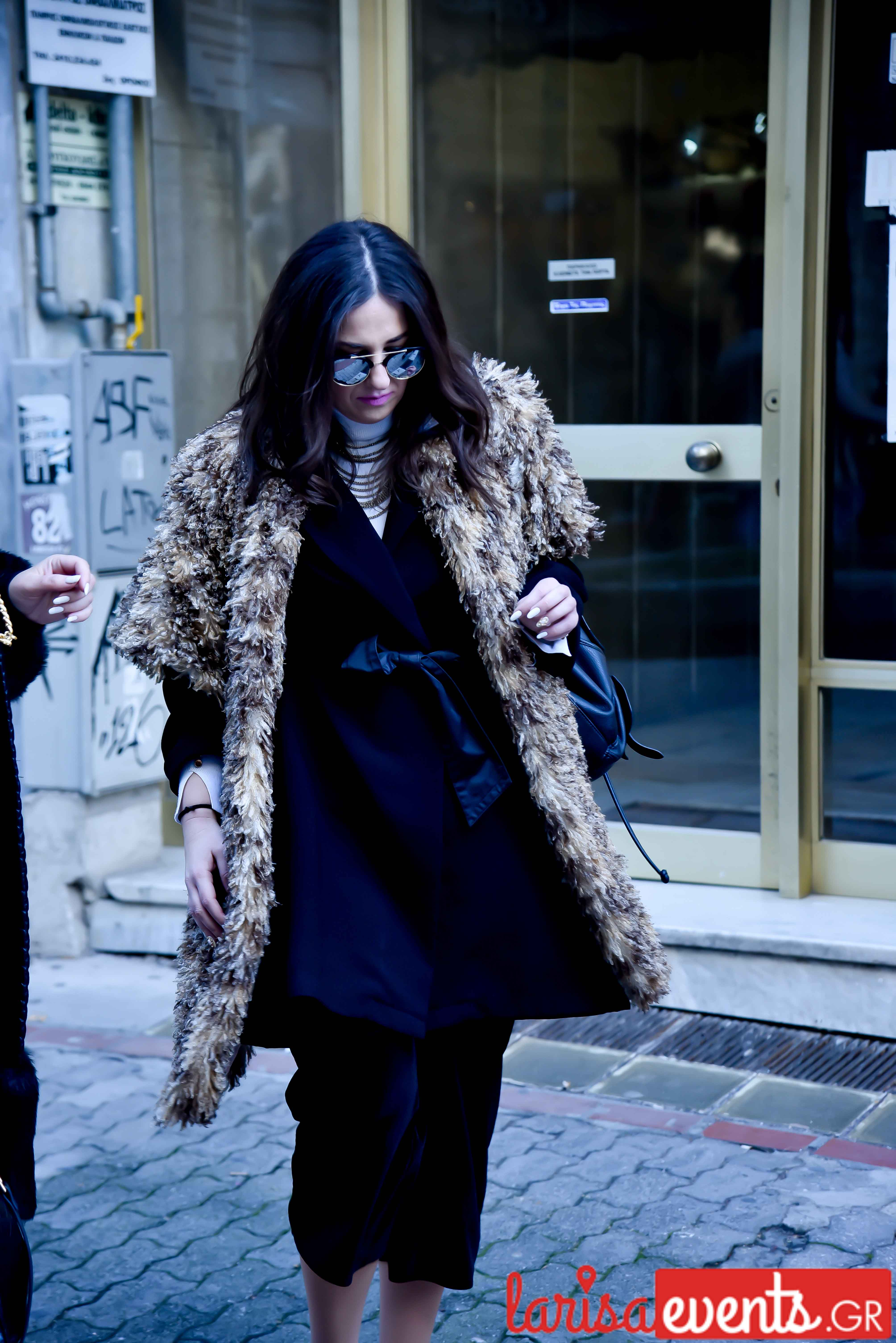 LAZ 7345 - Λάρισα's Street Style | Οι γυναίκες της πόλης σε street style clicks!