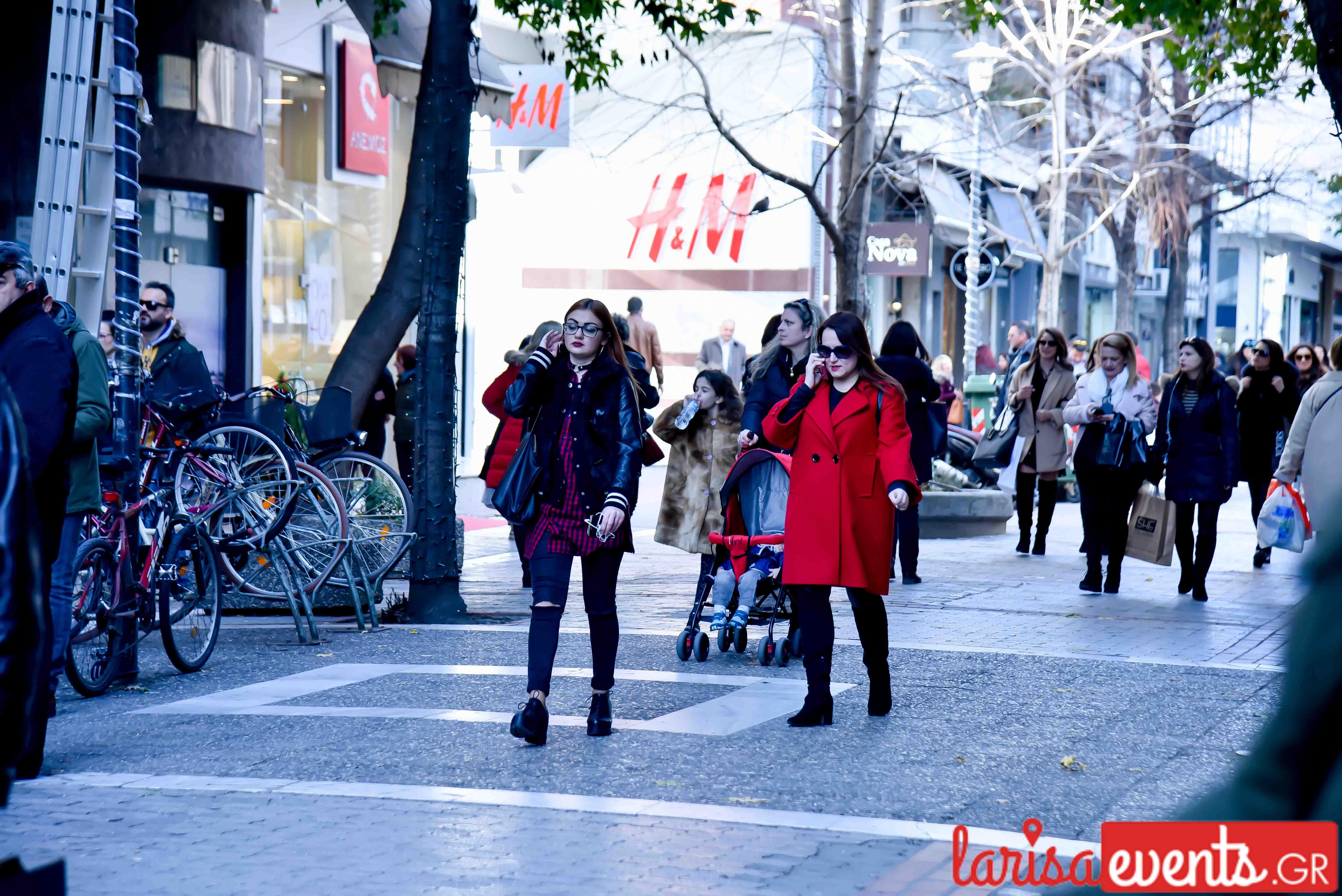 LAZ 7353 - Λάρισα's Street Style | Οι γυναίκες της πόλης σε street style clicks!