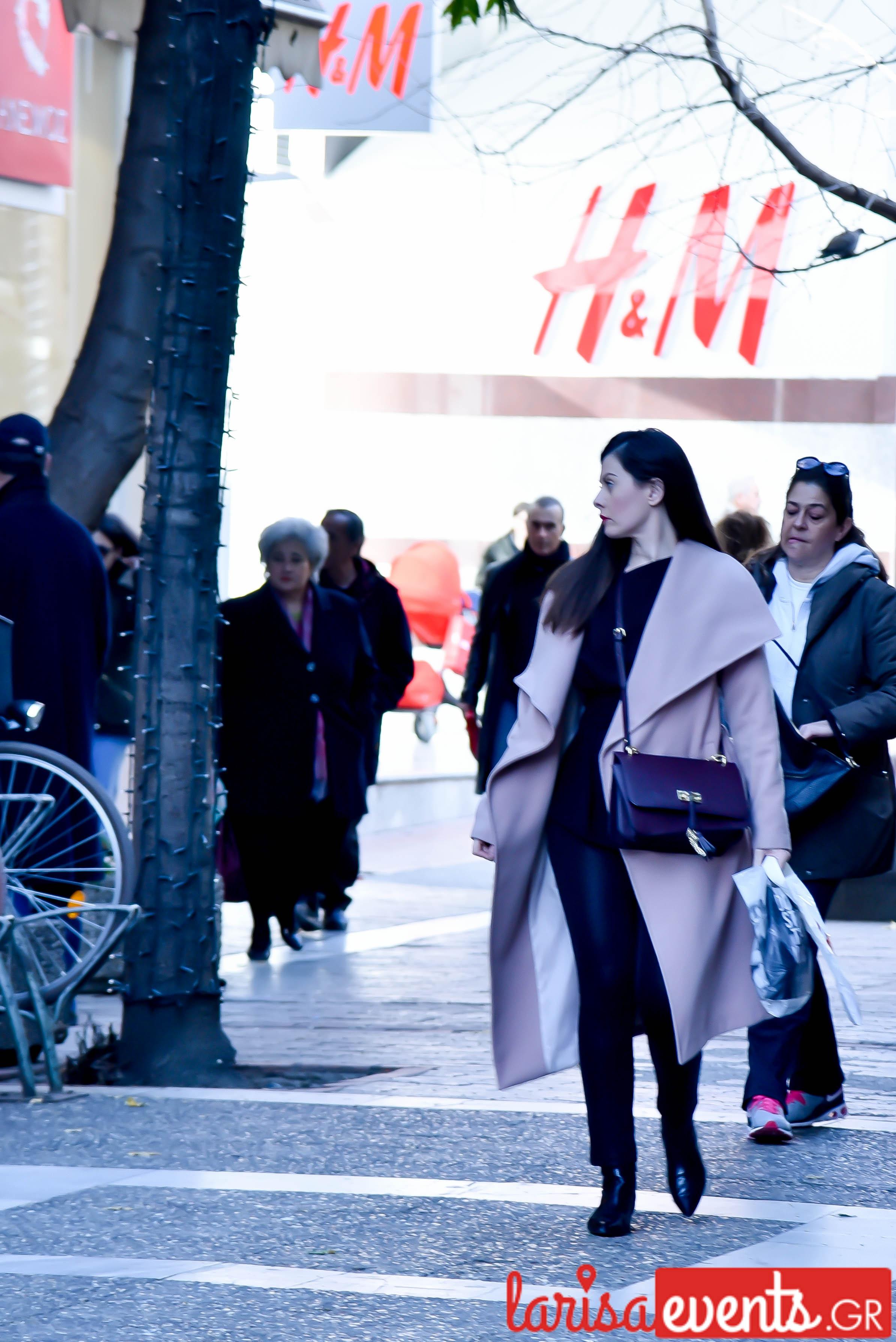 LAZ 7368 - Λάρισα's Street Style | Οι γυναίκες της πόλης σε street style clicks!