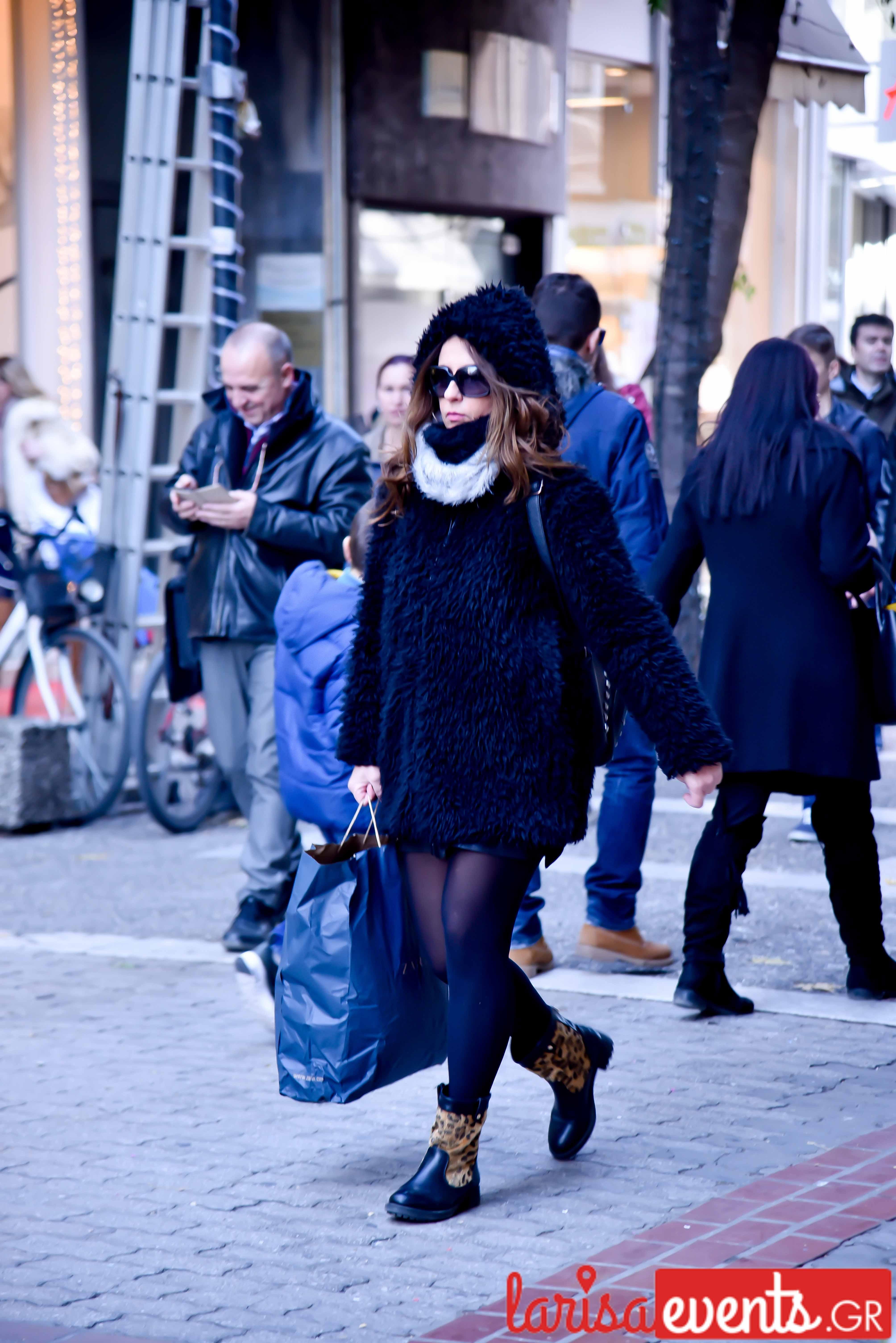 LAZ 7405 - Λάρισα's Street Style | Οι γυναίκες της πόλης σε street style clicks!