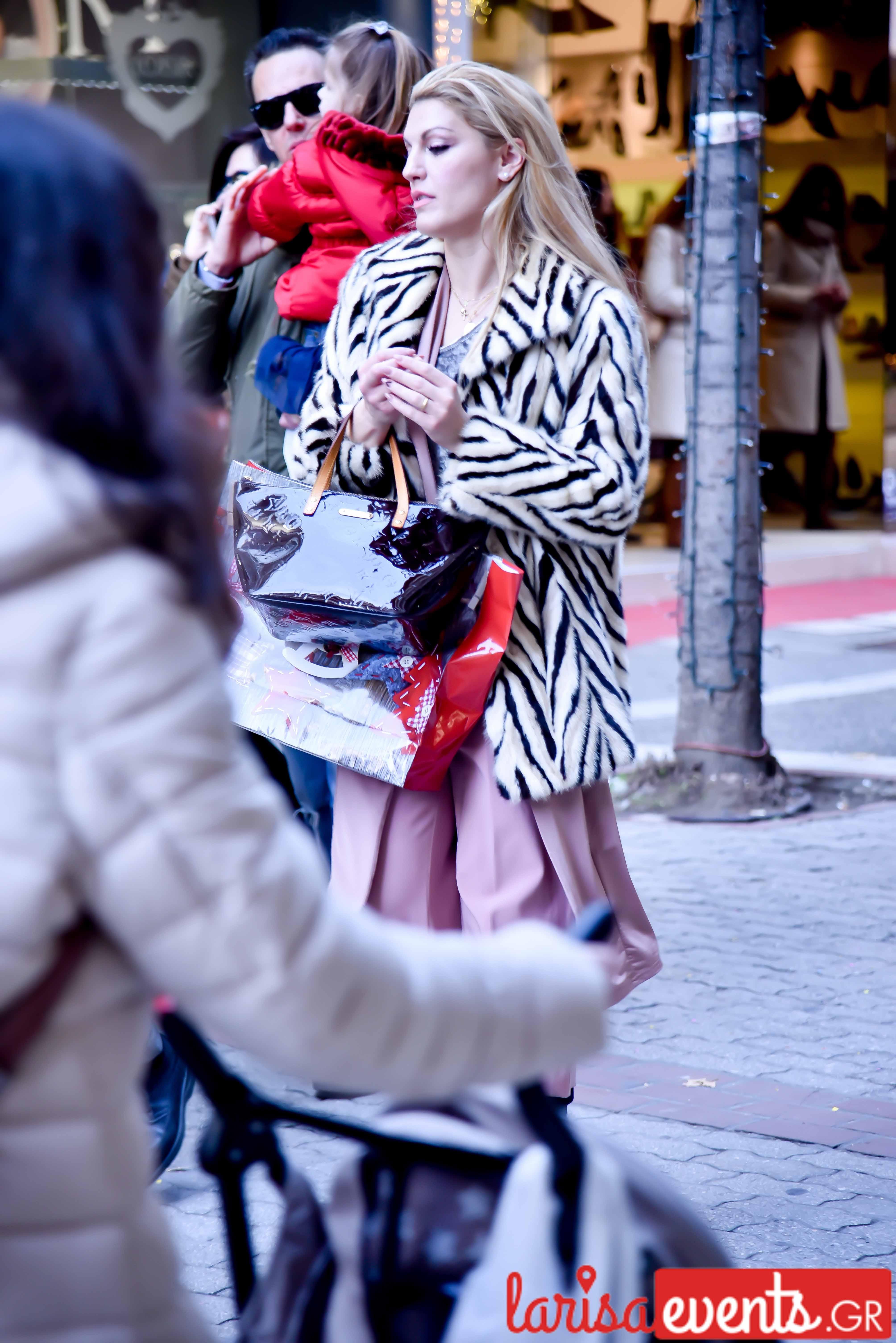 LAZ 7408 - Λάρισα's Street Style | Οι γυναίκες της πόλης σε street style clicks!
