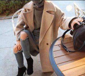 inzpb6 l 610x610 coat caramel wintercoat camelcoat tumblr fashionistacoat cardigan jacket jumpsuit winteroutfits bag sweaterdress jeans sweater cameloversizedcoat caramelcoat rippedjeans 300x268 - Οδηγός εκπτώσεων 2018: Τι πρέπει να ψωνίσεις φέτος!