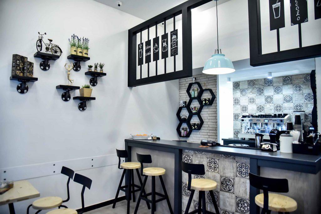 27047213 10215670563141218 459336689 o 1024x684 - Piccolo cafe: Το μικρό και φινετσάτο καφέ που λατρέψαμε!
