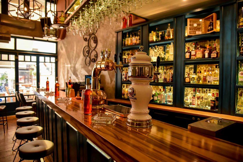 LAZ 8200 1024x684 - Retro Coffee House & Spirits: Ένας ξεχωριστός all day χώρος στο κέντρο της πόλης!