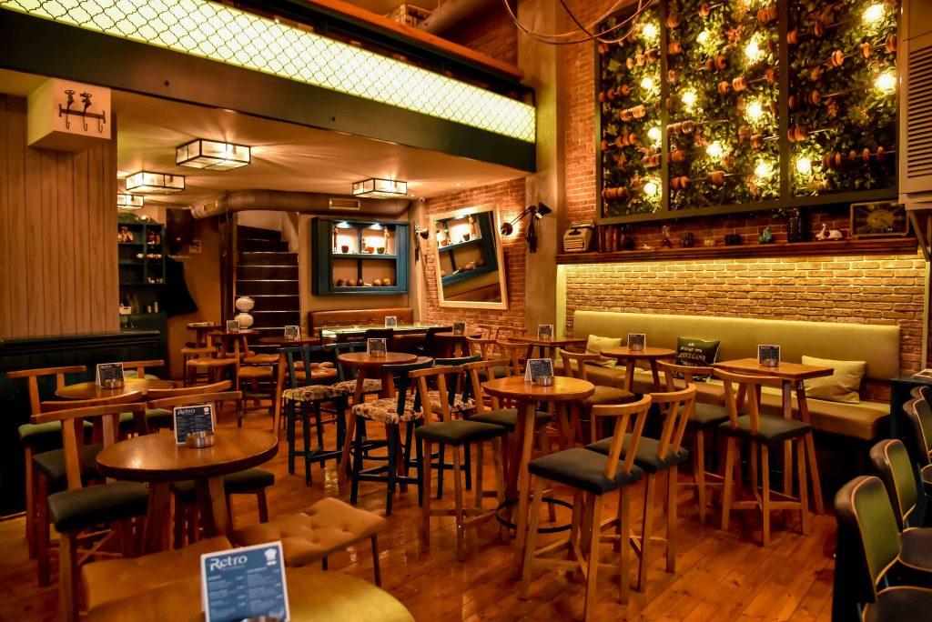 LAZ 8590 1024x684 - Retro Coffee House & Spirits: Ένας ξεχωριστός all day χώρος στο κέντρο της πόλης!