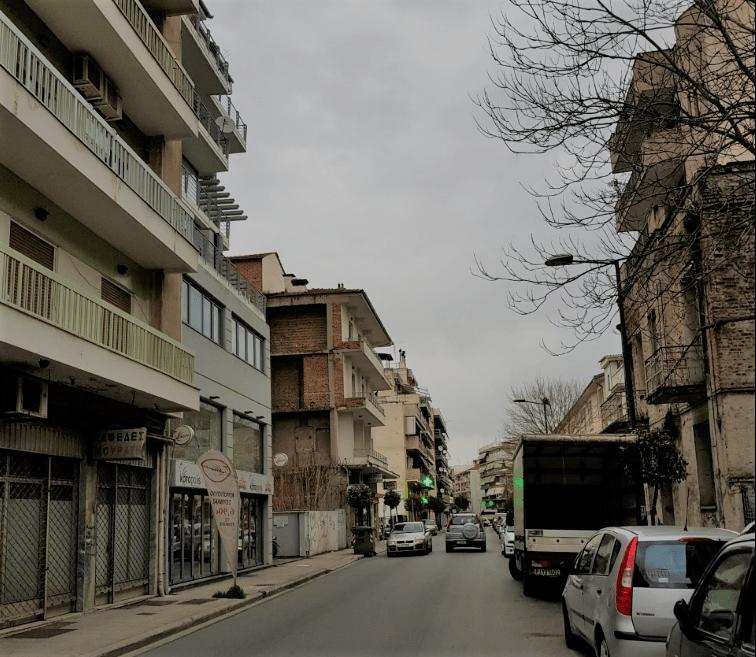 Screenshot 2 11 - Larisa   Βροχερό πρωινό στο κέντρο της Λάρισας