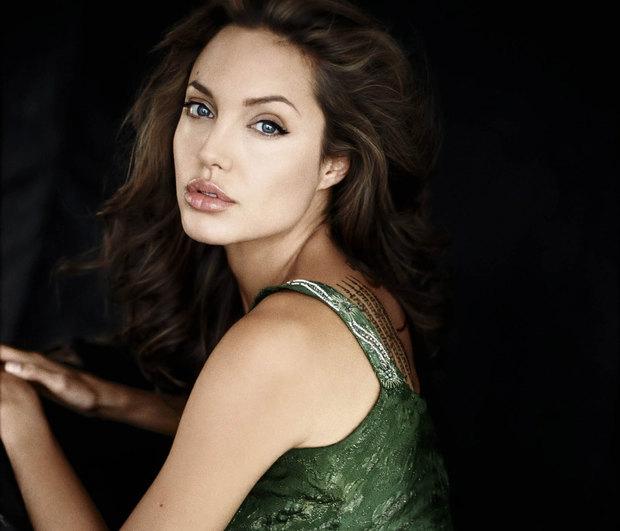 angie - Ποιος Brad Pitt; Η νέα εμφάνιση της Angelina Jolie μας έκανε να τρίβουμε τα μάτια μας