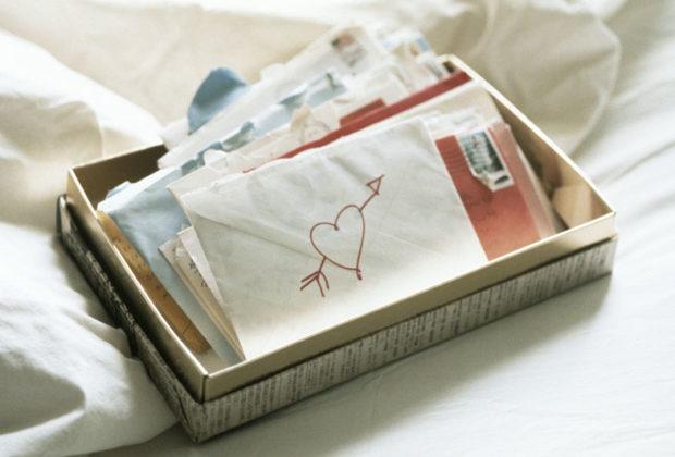 love letter 620x420 - 7 τρόποι να κάνεις ξεχωριστή την ημέρα του Αγίου Βαλεντίνου, αν έχεις σχέση από απόσταση!