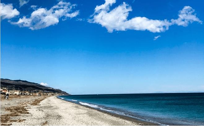 Screenshot 3 3 - Βόλτα στην παραλία του Αγιοκάμπου!
