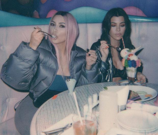 kimkardashian 7 3 2018 15 1 31 827 1 - Πέντε στοιχεία που δεν είχες σκεφτεί να υιοθετήσεις στο ντύσιμό σου για να φαίνεσαι πιο αδύνατη