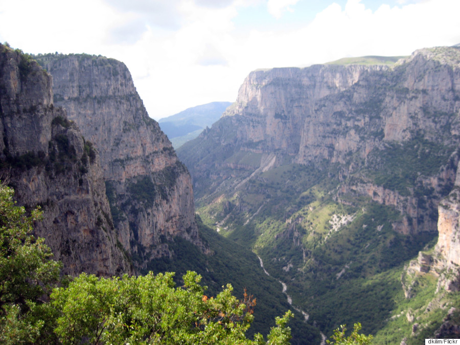 o VIKOS GORGE 900 - Tα 10 μέρη της Ελλάδας που πρέπει να επισκεφτείτε έστω και μία φορά στη ζωή σας