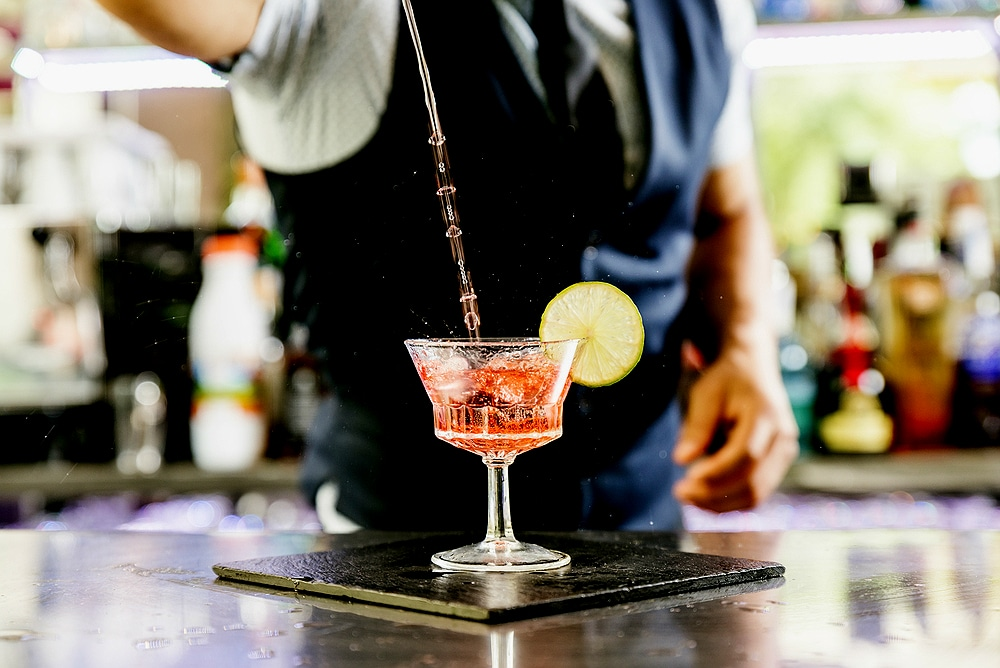 cock 2 yyd3 - Cocktails με τρία υλικά που κάθε άντρας πρέπει να ξέρει να φτιάχνει