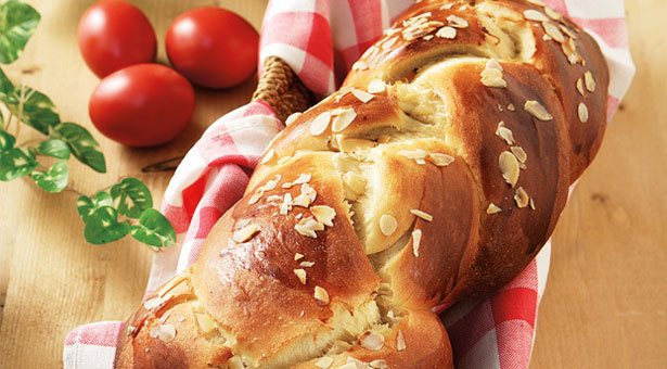 filestsourekia 675275368 - Σας περίσσεψαν αυγά και τσουρέκια από το Πάσχα; Δείτε υπέροχες συνταγές!