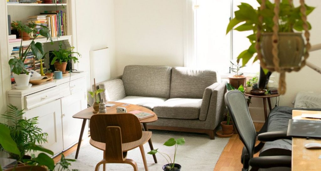 spiti diakosmisi 570 0 1024x545 - Τα 12 αντικείμενα που πρέπει να αντικαθιστάς συχνά σε ένα σπίτι