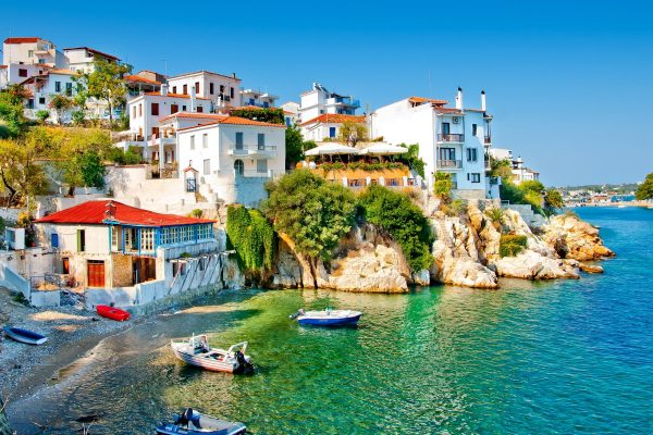 1920 old part of town in island Skiathos 600x400 - Ροή