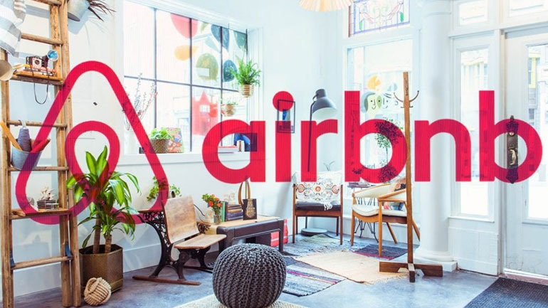 2399472 - Επισκέπτες στα κρυφά, σεξ παντού και καθόλου κανόνες: Τα χειρότερα που κάνουν όσοι ενοικιάζουν Airbnb
