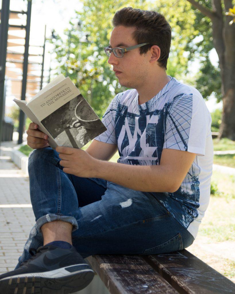 DSC 4034 819x1024 - Γιάννης Ζαραμπούκας: «Για μένα η ποίηση είναι ένα μέσο έκφρασης»