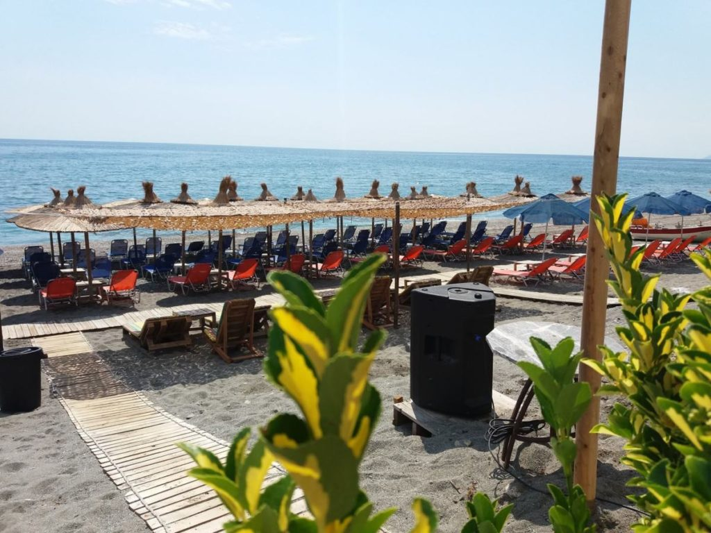 Θέρος Cafè Bar Restaurant3